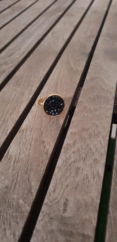 טבעת זהב סברובסקי שחור, טבעת יפה, טבעת נוכחות, תכשיטי אופנה, מתנה לאישה, טבעת שחורה, MFcollection