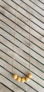 שרשרת אופנה, שרשרת נוכחות, שרשרת זהב, שרשרת יפה, שרשרת חרוזי עץ, שרשרת לארוע, MFcollection, תכשיטים יפים, תכשיטי אופנה, שלי דהרי, מיה פינקלשטיין, חרוזי עץ, שרשרת חרוזי עץשרשרת יפה, שרשרת חרוזי עץ, שרשרת לארוע, MFcollection, תכשיטים יפים, תכשיטי אופנה