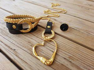 שרשרת לב, צמיד ברכות, צמיד עור, טבעת שחורה סברובסקי, מתנה, תכשיטי אופנה, תכשיטים
