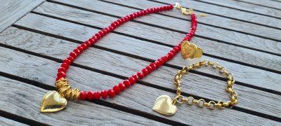 שרשרת אדומה,מעצבת תכשיטים,MFcollection,מיה פינקלשטיין,תכשיטי אופנה,תכשיטים מעוצבים,שרשרת לאישה,שרשרת ארוכה לאישה,שרשרת בעיצוב אישי,שרשרת אבנים,שרשרת במבצע,שרשרת לב