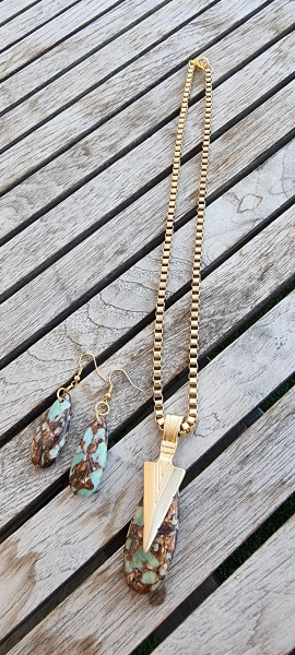 mfcollection jewelry,מעצבת תכשיטים,מעצבת תכשיטים תל אביב,מעצבת תכשיטים ישראלית,שרשרת לאישה, שרשרת אבנים,מיה פינקלשטיין,שרשרת,שרשרת ירוקה,שרשרת במבצע,שרשרת זהב